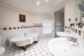 premier 306 bathroom
